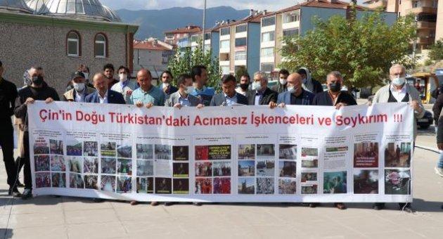 Doğu Türkistan'lı Kardeşlerimizin Yanındayız!