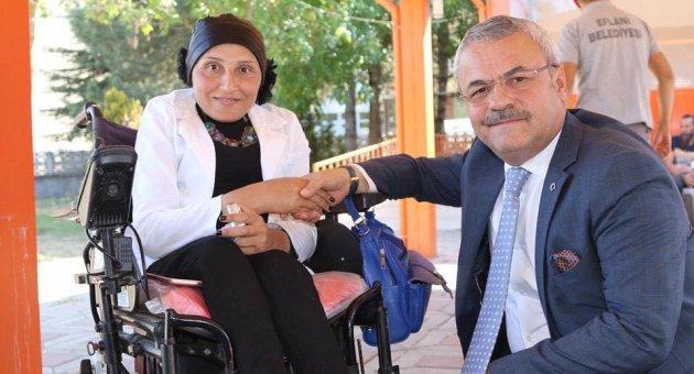 '' Engelli kardeşlerimize destek olmak, hizmetlerinde bulunmak her şeyden önce bir gönül işidir. ''