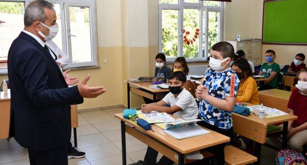 İl Millî Eğitim Müdürü Nevzat AKBAŞ Okul Ziyaretlerine Devam Ediyor